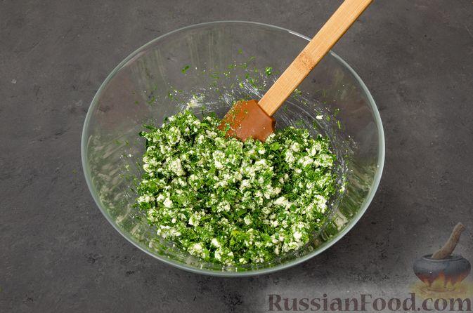 Фото приготовления рецепта: Кутабы с начинкой из творога и зелени - шаг №10
