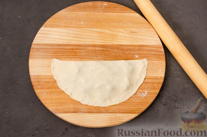 Фото приготовления рецепта: Кутабы с начинкой из творога и зелени - шаг №15