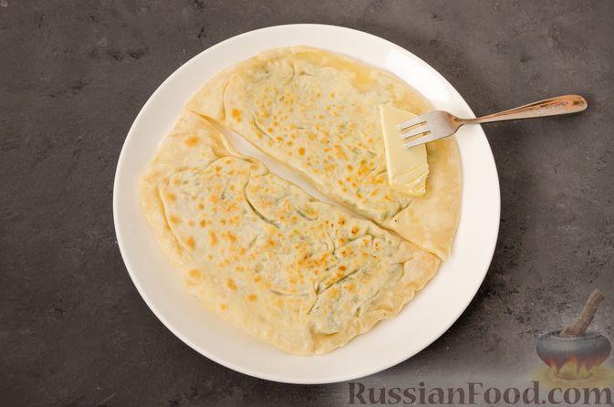Фото приготовления рецепта: Кутабы с начинкой из творога и зелени - шаг №17