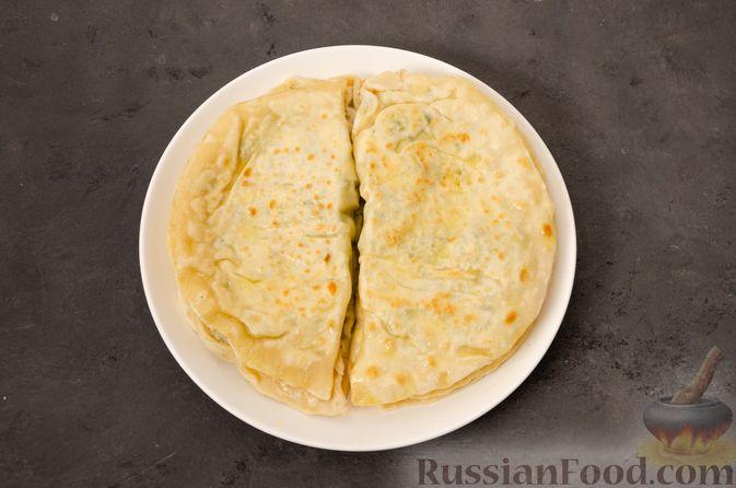 Фото приготовления рецепта: Кутабы с начинкой из творога и зелени - шаг №18