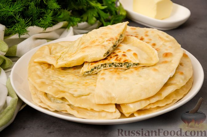 Фото приготовления рецепта: Кутабы с начинкой из творога и зелени - шаг №19