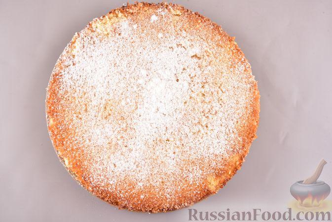 """Фото приготовления рецепта: Лимонный пирог """"Четыре четверти"""" - шаг №8"""