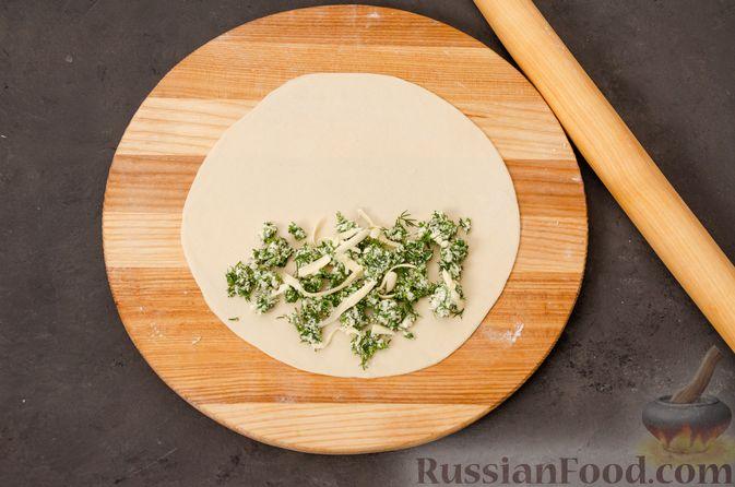 Фото приготовления рецепта: Кутабы с начинкой из творога и зелени - шаг №14