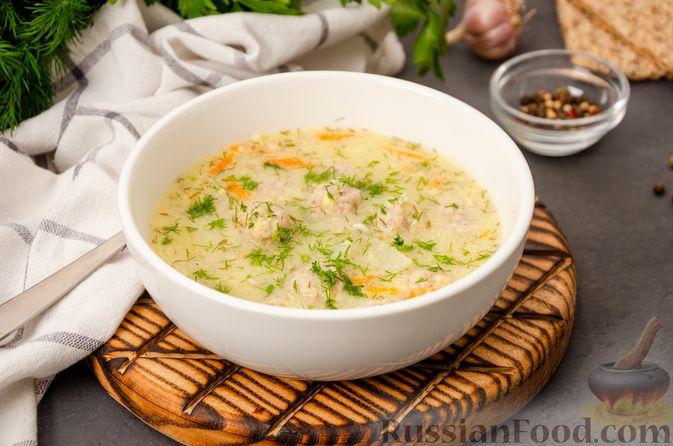 Фото к рецепту: Суп с фрикадельками и яичной заправкой