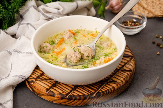 Фото приготовления рецепта: Суп с фрикадельками и яичной заправкой - шаг №15