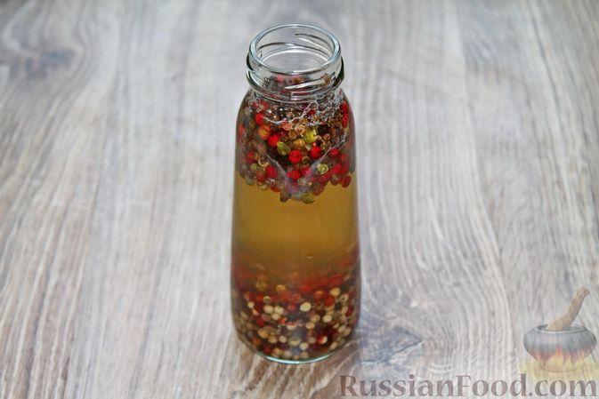 Фото приготовления рецепта: Консервированный перец горошком - шаг №7