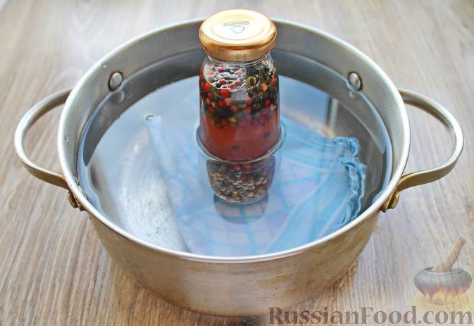 Фото приготовления рецепта: Консервированный перец горошком - шаг №8