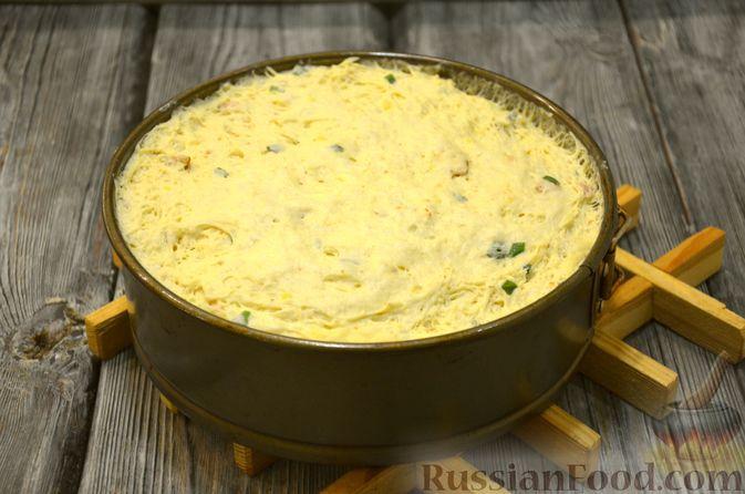 Фото приготовления рецепта: Дрожжевой картофельный хлеб с беконом и зелёным луком - шаг №11