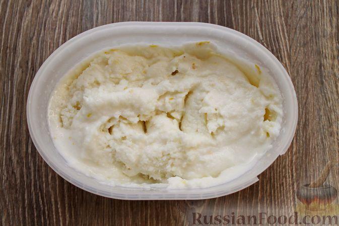 Фото приготовления рецепта: Мороженое из простокваши - шаг №9