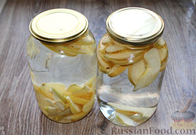 Фото приготовления рецепта: Компот из айвы с лимоном, на зиму - шаг №6