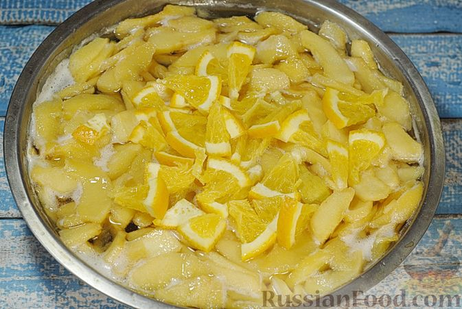 Фото приготовления рецепта: Варенье из айвы с апельсином - шаг №12