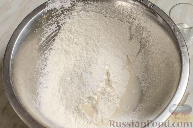 Фото приготовления рецепта: Суп на курином бульоне с домашней лапшой - шаг №3