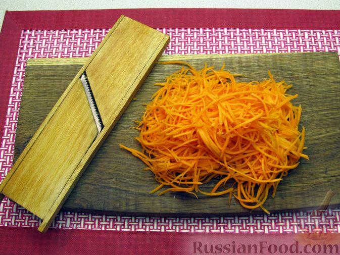 Фото приготовления рецепта: Салат из кальмаров с морковью по-корейски - шаг №5