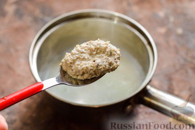 Фото приготовления рецепта: Сливочное желе с орехами - шаг №6
