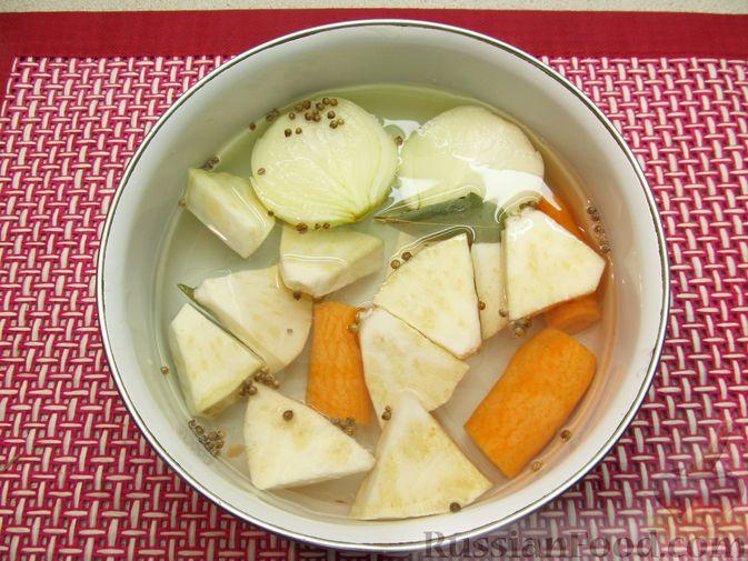 Фото приготовления рецепта: Мясные тефтели в томатно-тыквенным соусе - шаг №3