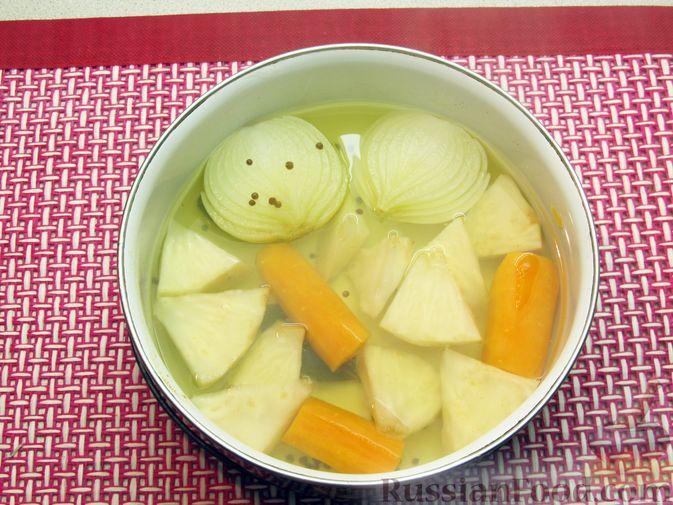 Фото приготовления рецепта: Мясные тефтели в томатно-тыквенным соусе - шаг №4