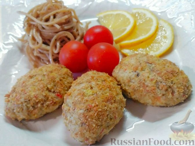 Фото к рецепту: Котлеты из рыбы и крабовых палочек, запечённые в духовке
