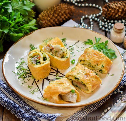 Фото приготовления рецепта: Яичные рулетики с сельдью - шаг №11