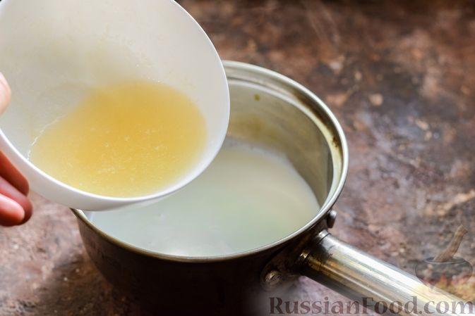 Фото приготовления рецепта: Молочное желе с ананасами - шаг №5