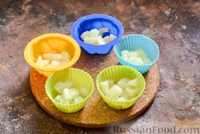 Фото приготовления рецепта: Молочное желе с ананасами - шаг №7