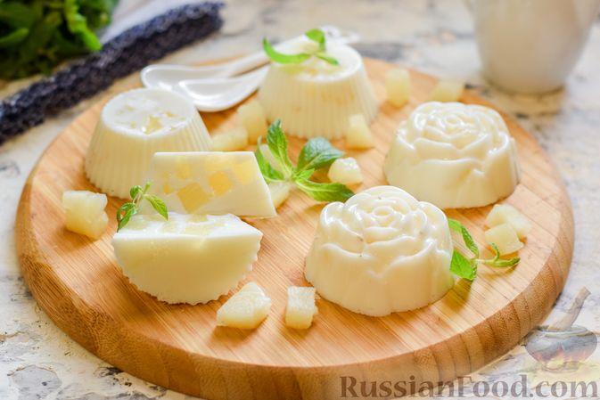 Фото приготовления рецепта: Молочное желе с ананасами - шаг №10