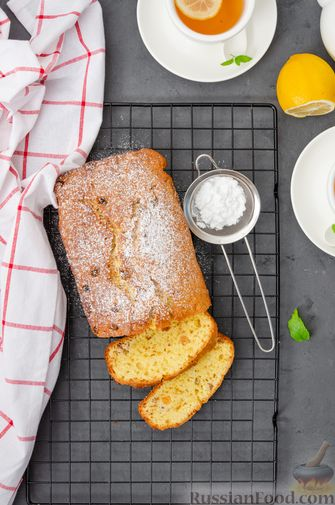 Фото приготовления рецепта: Творожный кекс с изюмом - шаг №13