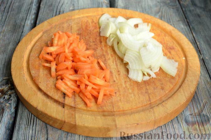 Фото приготовления рецепта: Куриное филе в соево-томатном маринаде, жаренное с цветной капустой - шаг №8