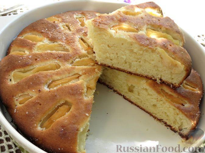 Фото к рецепту: Творожный пирог с айвой и цедрой лимона
