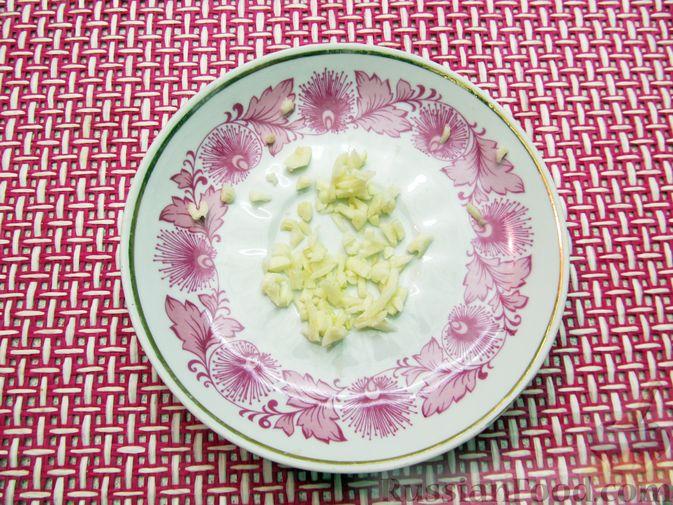 Фото приготовления рецепта: Свиная печень, запечённая с морковью, луком и сыром - шаг №11