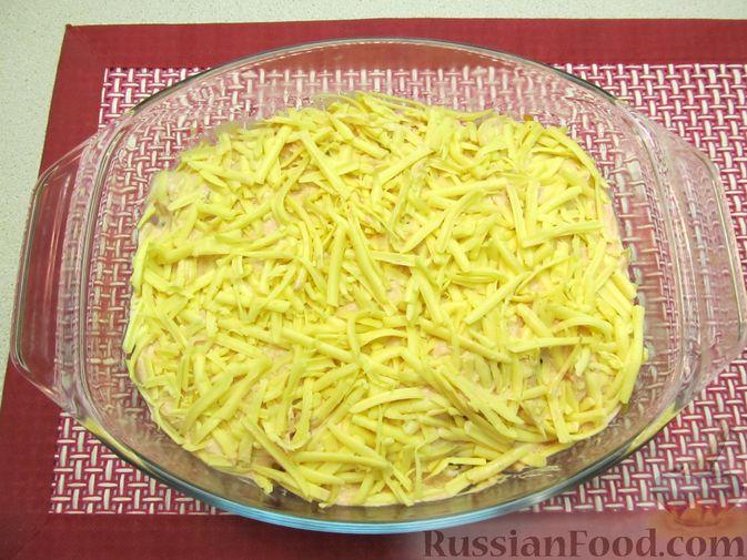 Фото приготовления рецепта: Свиная печень, запечённая с морковью, луком и сыром - шаг №16