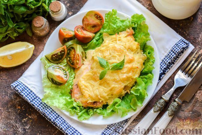 """Фото приготовления рецепта: Куриное филе, запечённое под картофельно-сырной """"шубкой"""" - шаг №11"""