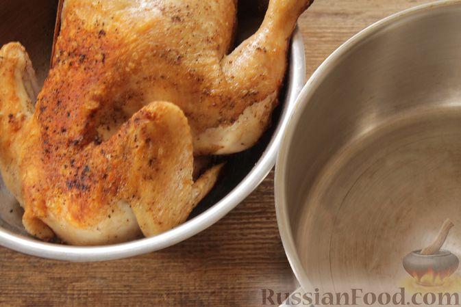 Фото приготовления рецепта: Курица, запечённая в молоке с пряностями - шаг №6