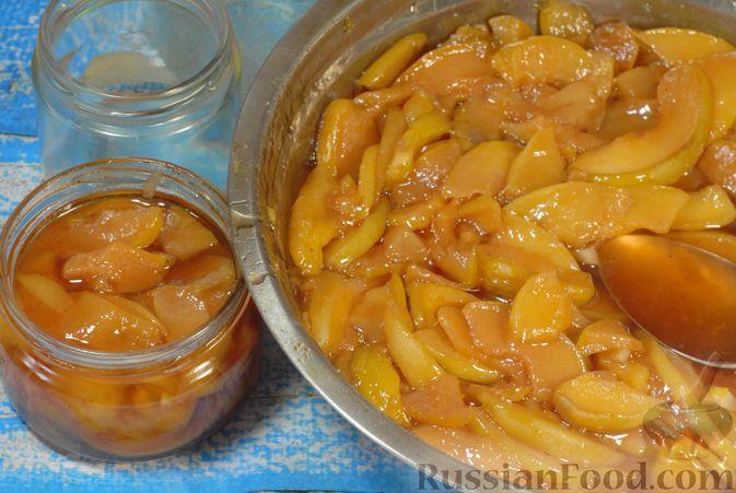 Фото приготовления рецепта: Айвовое варенье - шаг №14