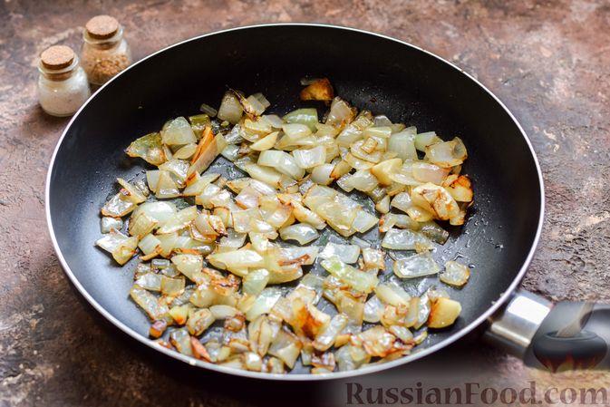 Фото приготовления рецепта: Болгарский перец с начинкой из спагетти с мясным фаршем - шаг №3