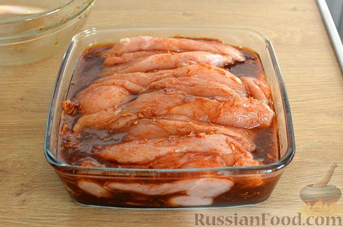 Фото приготовления рецепта: Куриные чипсы (джерки) - шаг №6