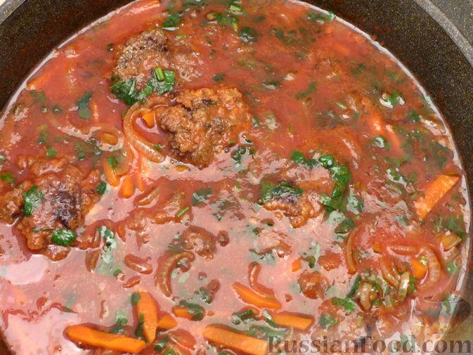 Фото приготовления рецепта: Запечённые рубленые котлеты из куриной печени в томатном соусе - шаг №15