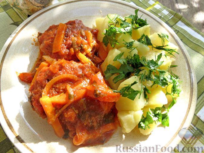 Фото приготовления рецепта: Запечённые рубленые котлеты из куриной печени в томатном соусе - шаг №16