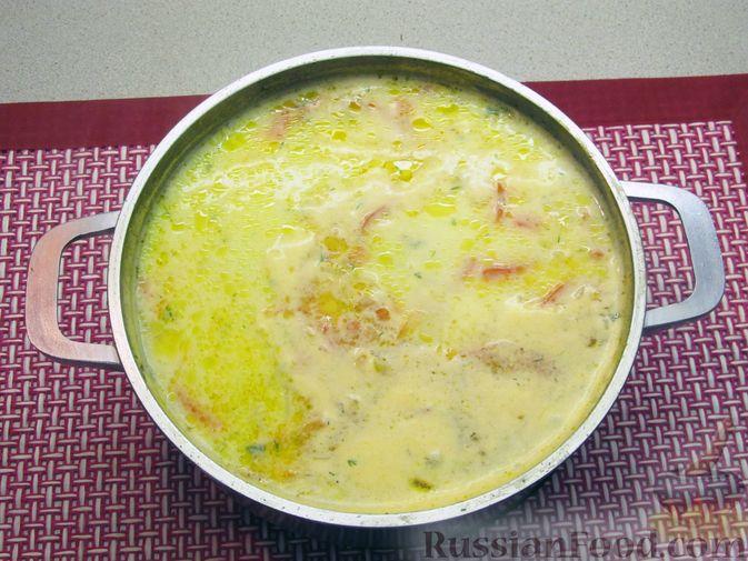 Фото приготовления рецепта: Щи из свежей капусты с курицей, сладким перцем и молоком - шаг №18