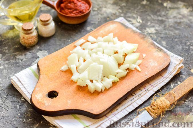 Фото приготовления рецепта: Щи из свежей капусты со свининой и помидорами - шаг №9
