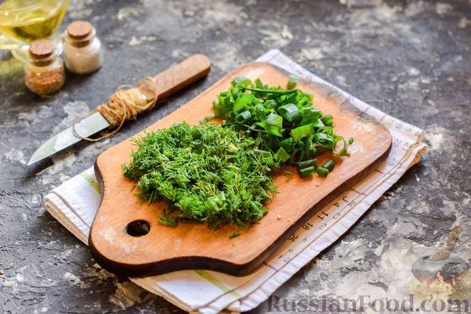 Фото приготовления рецепта: Щи из свежей капусты со свининой и помидорами - шаг №11