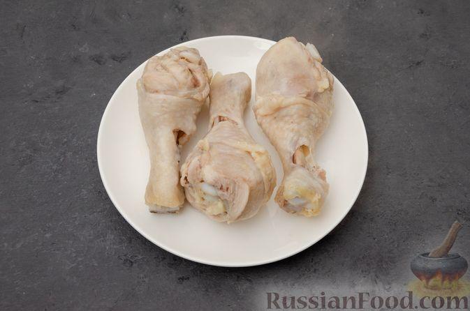 Фото приготовления рецепта: Куриный суп с картофелем - шаг №4