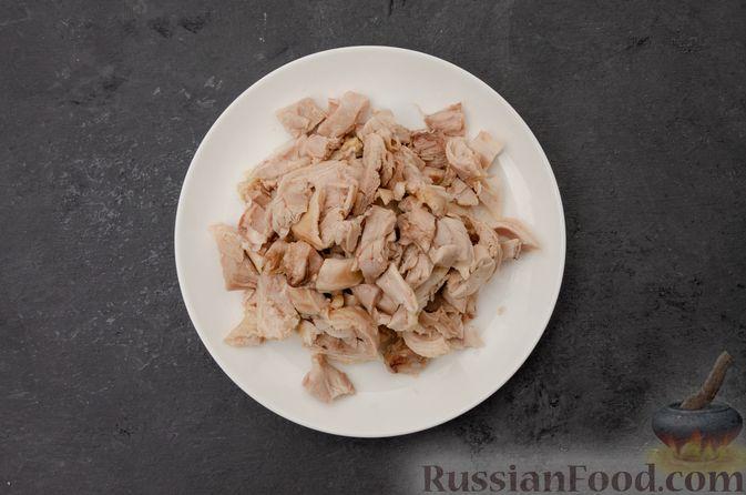 Фото приготовления рецепта: Куриный суп с картофелем - шаг №7