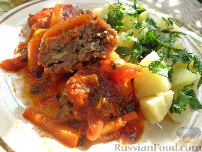 Фото приготовления рецепта: Запечённые рубленые котлеты из куриной печени в томатном соусе - шаг №18