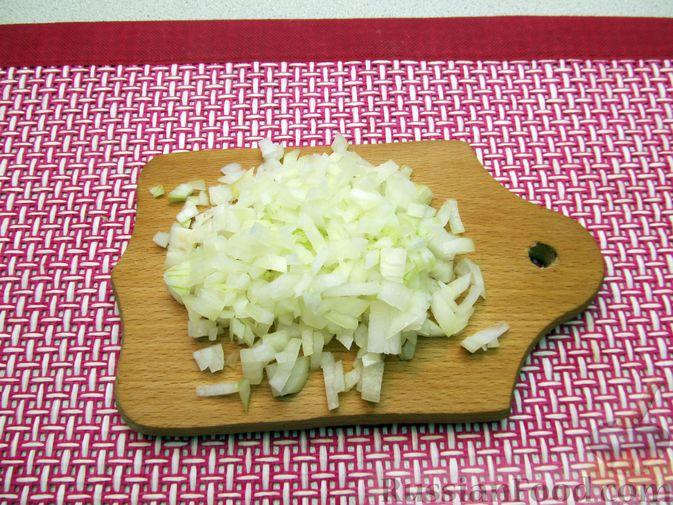 Фото приготовления рецепта: Суп с куриными фрикадельками и пшеном - шаг №5