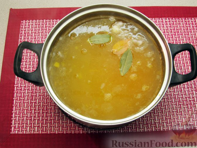 Фото приготовления рецепта: Суп с куриными фрикадельками и пшеном - шаг №12