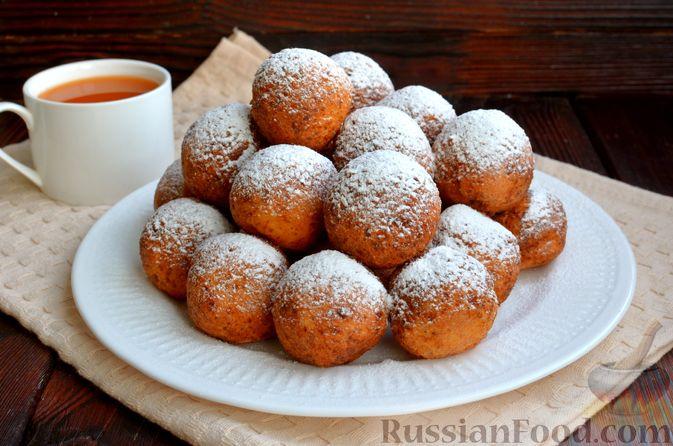 Фото к рецепту: Творожные пончики с маком