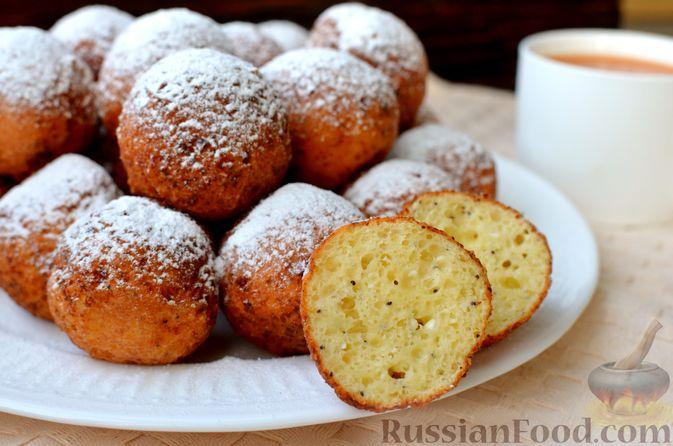 Фото приготовления рецепта: Творожные пончики с маком - шаг №12