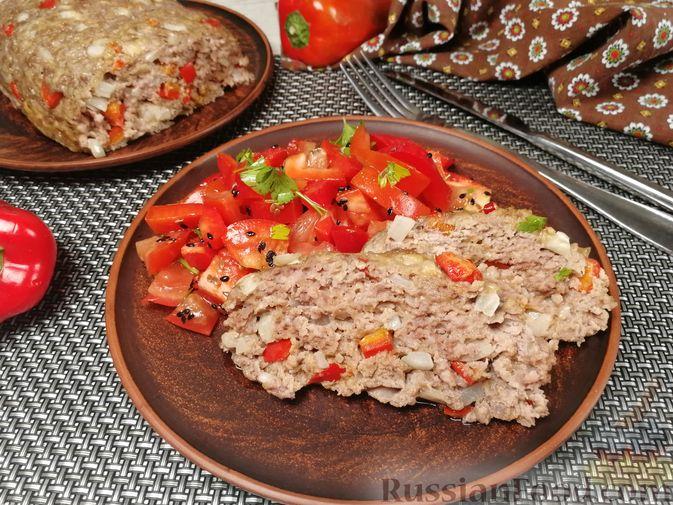 """Фото к рецепту: Мясной """"хлеб"""" с сыром и сладким перцем"""