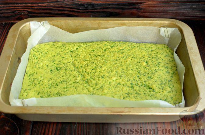 Фото приготовления рецепта: Шпинатный рулет с сёмгой и сливочным сыром - шаг №9