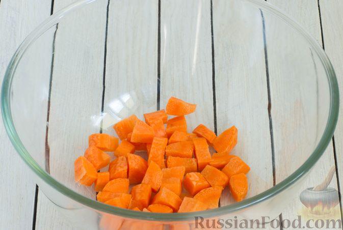 Фото приготовления рецепта: Кольраби, свёкла, картофель и морковь, запечённые с бальзамическим соусом - шаг №3